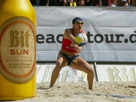 Bitburger Sun beim Beachvolleyball