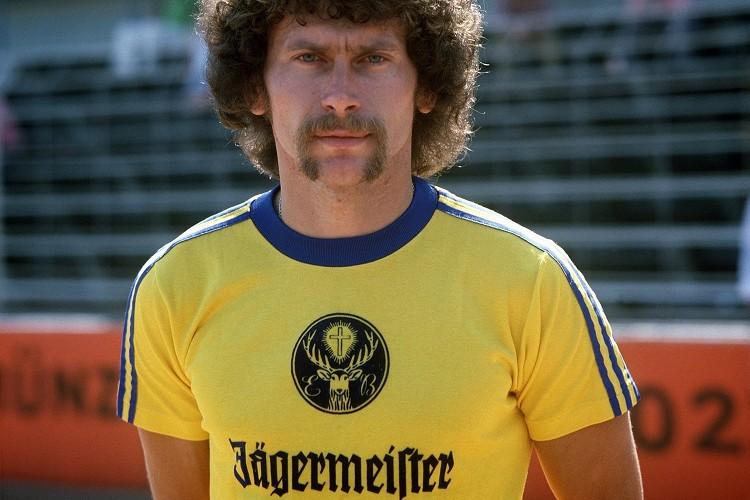 Paul Breitner im Jägermeister Trikot 1973