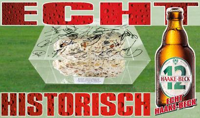 Haake-Beck Aktion mit einem Stück des alten Weserstadions in Acryl mit Unterschriften der Spieler vom SV Werder Bremen